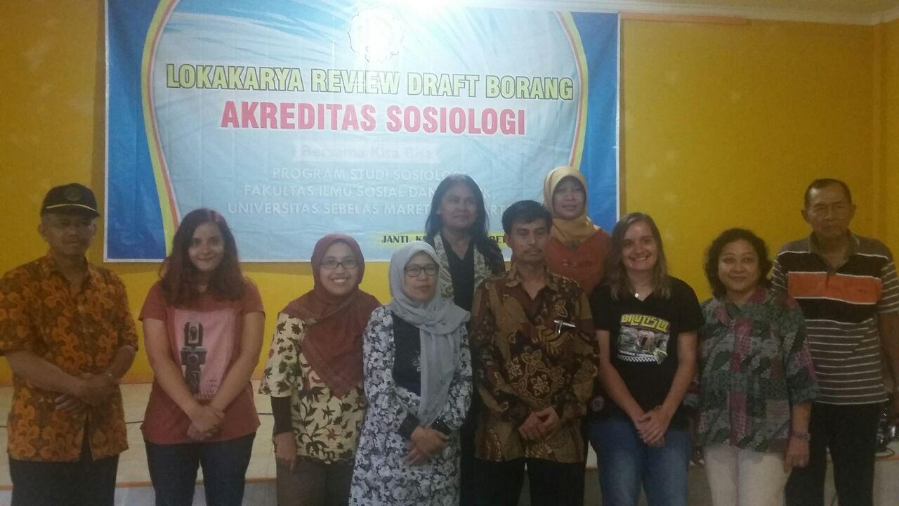 Lokakarya Review Borang Akreditasi Dan Perpisahan Purna Tugas