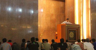 Jamaah Masjid Nurul Huda UNS Selenggarakan Sholat Gerhana