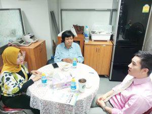Diskusi dengan Assoc. Prof. Piwat Hitakorn, Ph.D Direktur KU Language